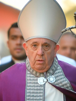 'Give up trolling on social media for Lent,' Pope urges Catholics  https:// buff.ly/2w6lm8G    <br>http://pic.twitter.com/J6dZtvfdUl