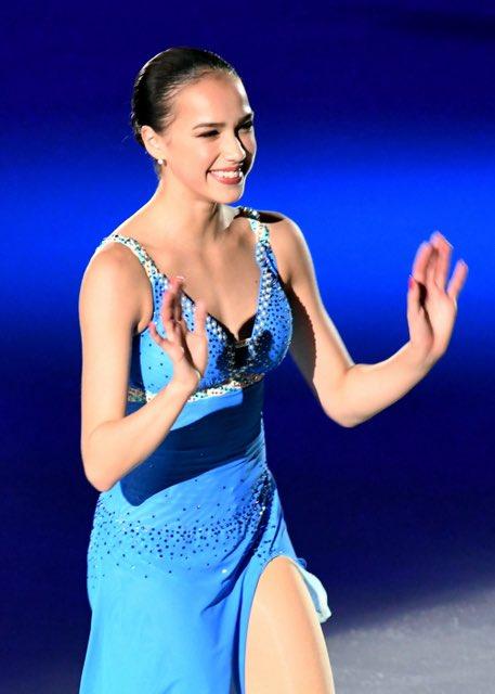 アイスショーでトゥルソワちゃんが着てたブルーの衣装、見覚えあるなと思ったら一昨年のザ・アイスでザギちゃんが着てた衣装と同じものだよね?👗なんだか微笑ましい🥰#AlinaZagitova #AlexandraТрусова