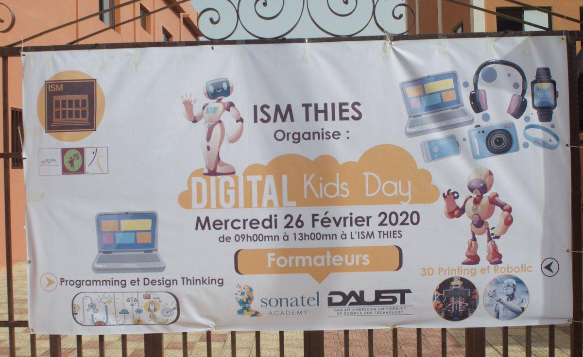 @daustofficial a pris part au Digital Kids Day organisé par ISM Thiès . Nos étudiants ingénieurs ont animé 2 workshops : #3DPrinting & #Robotic. C'est important pour nous d'initier les enfants à la science et à la technologie très tôt. #PeopleOfDAUST #ISMThiesDKD #Kebetupic.twitter.com/8FkfaSLVvF
