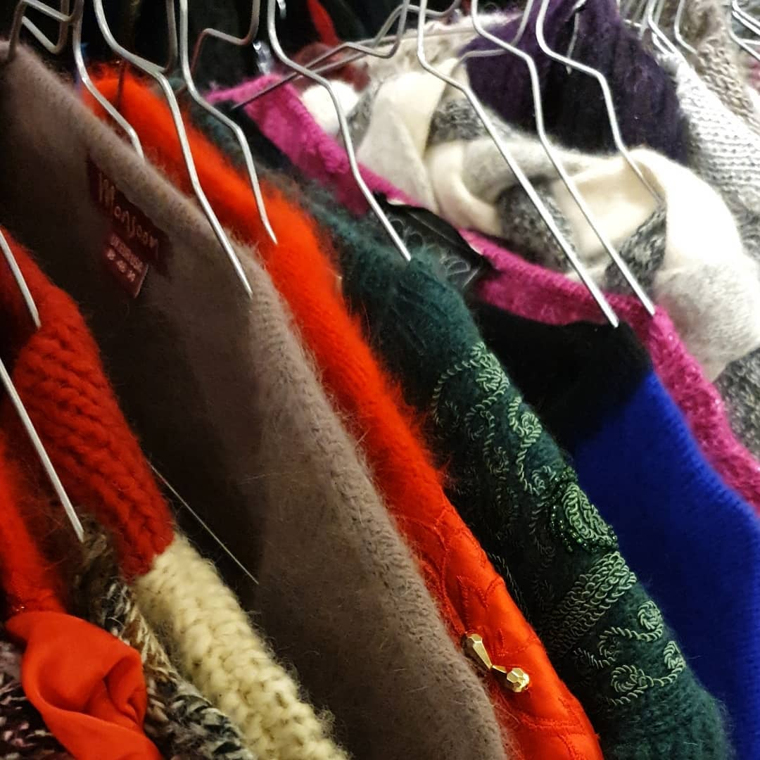 RT leeuwardenstad: Vintagefans opgelet! Op 28 maart is er weer een Vintage Kilo Sale in de Grote Kerk. Voor twintig euro per kilo scoor je de meest unieke #vintage kleding. http://bit.ly/34qcN4Zpic.twitter.com/EVc4dmtj6S