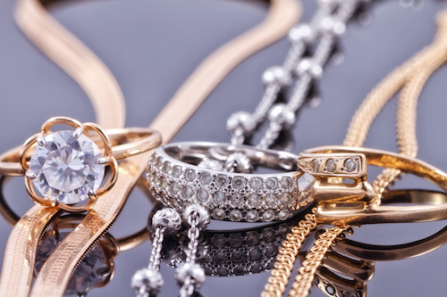It's time to #UpdateOldJewelry with new looks. Get inspired by Gem Classics' take on updating your inherited, unworn and outdated pieces. #jewelryofinstagram #jewelryblog #jewelrytrends  #lafonn #lafonnretailer #lafonnjewelry #villonthepkwy,