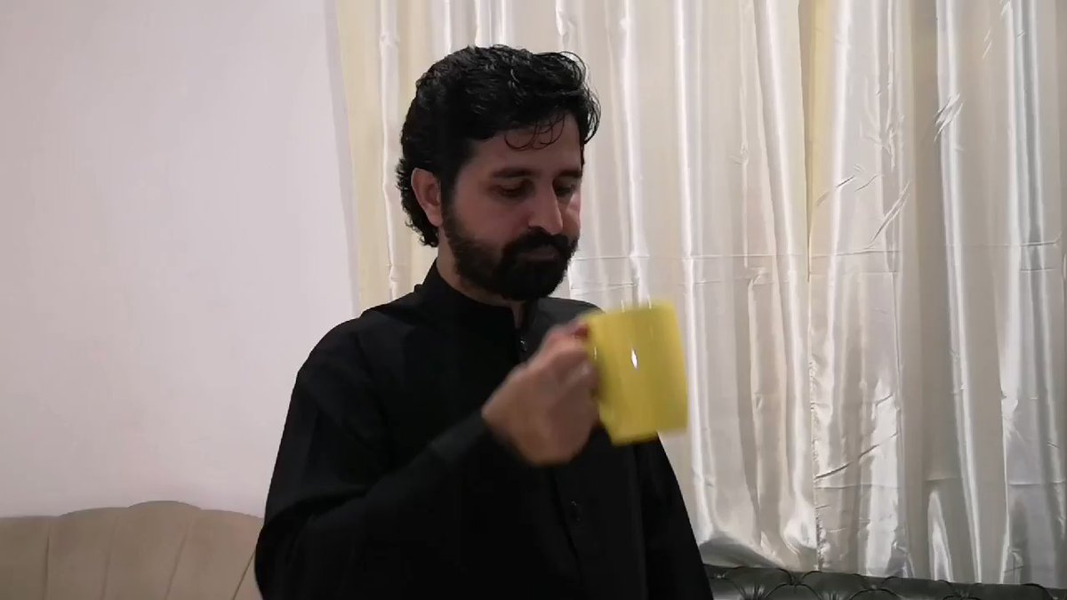 The big difference b/w abhi Nandan tea & my teaWatch the video#SurpriseDay #WorldsBiggestTeaParty <br>http://pic.twitter.com/NETevl6dW0<br>http://pic.twitter.com/0dEtV2wVSB