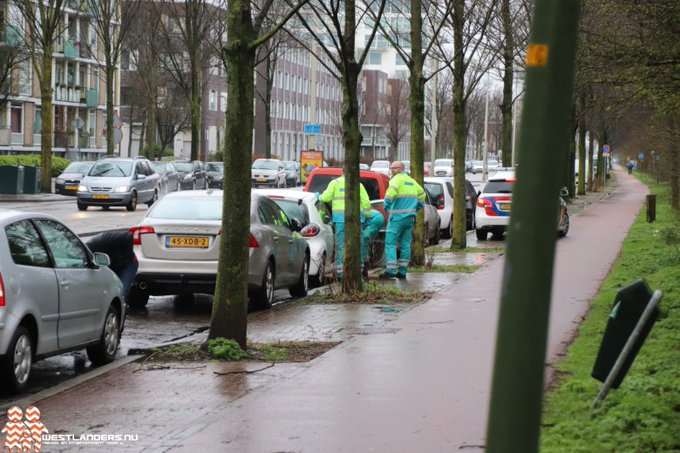 Licht gewonde bij ongeluk Ambachtsweg https://t.co/UKmOzFEnLh https://t.co/sDE6Tn8FMv