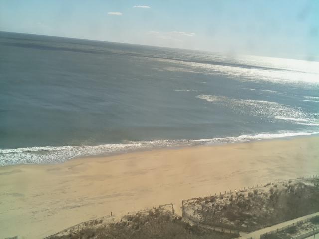 Ocean City, MD  02-27-20  11:30 ET  Air Temp: 42.1 F    Humidity: 42%    Pressure: 29.76 mbar Water Temp: 44.6 F Wind: 16.91 mph NW    Gust: 25.66 mph Current Conditions: clear sky  Sunrise: 06:36 Sunset: 17:50  #OCMD #OceanCity #OceanCityMaryland #beachlife #beach #BeachUpdates