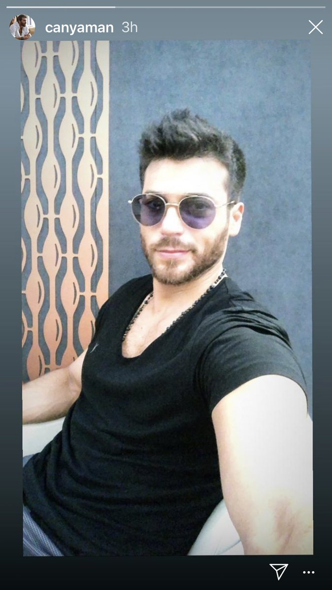 OMG! Look at this sweetheart!  So happy to see a selfie from him #CanYaman<br>http://pic.twitter.com/D64vtIc5uv