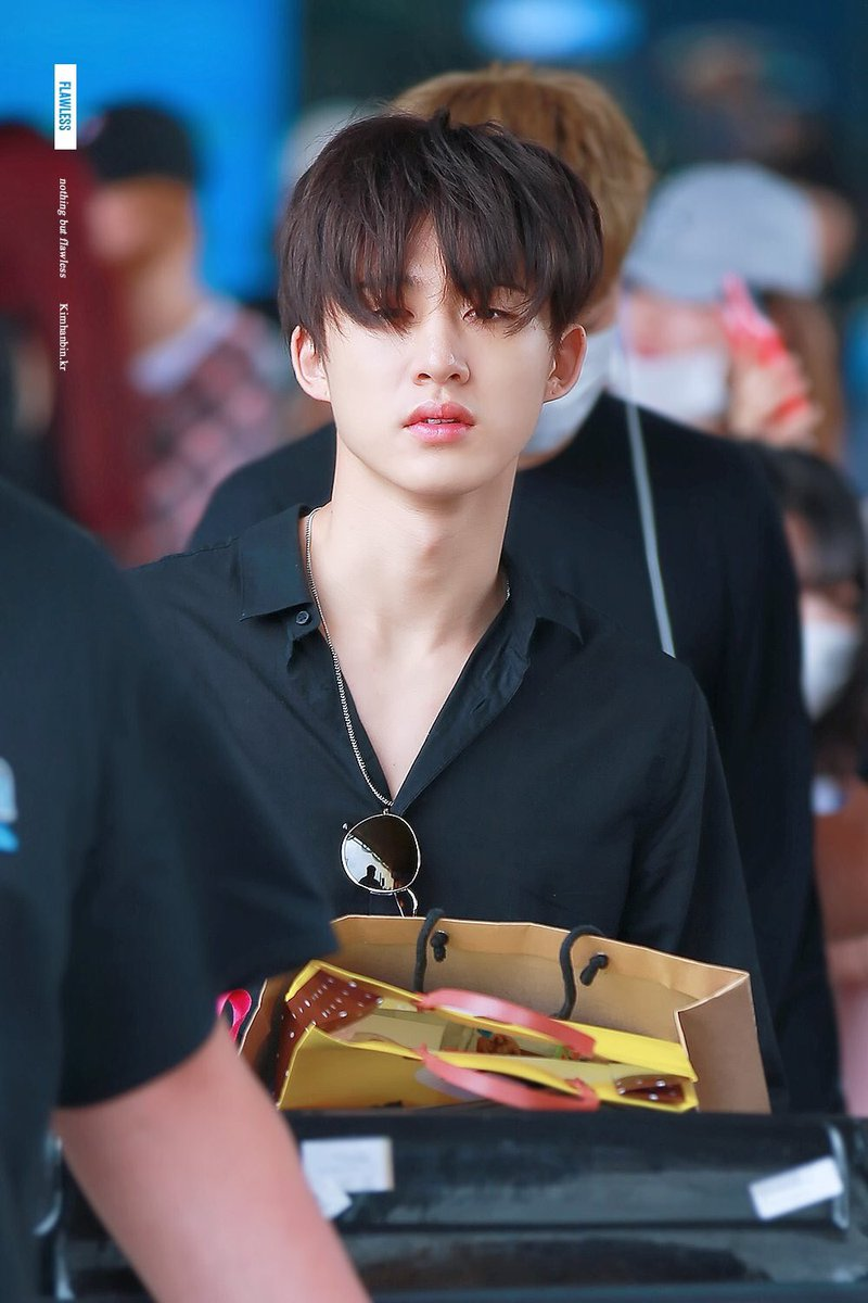 #HelloHanbinlsFree For me, this look remains superior<br>http://pic.twitter.com/dGbsdUj8dm