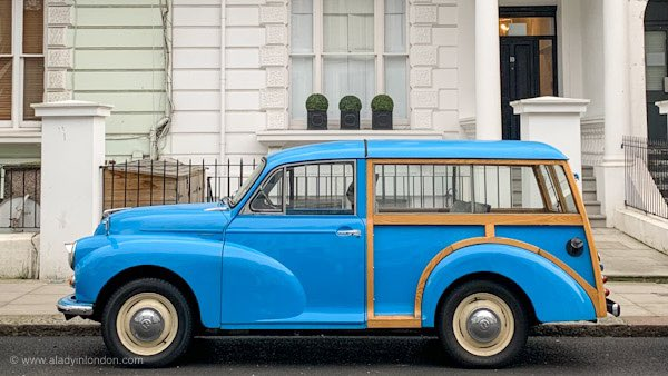 London's vintage cars make the city so colorful 💙 https://t.co/9iwfDoq6Bj