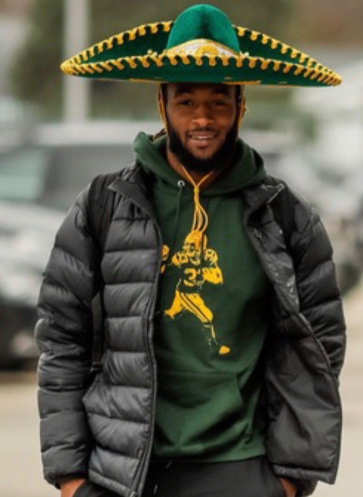 Barstool Sports On Twitter Welcome To The Pirate Ship Aaron Jones Https T Co Dcwwgaqutv