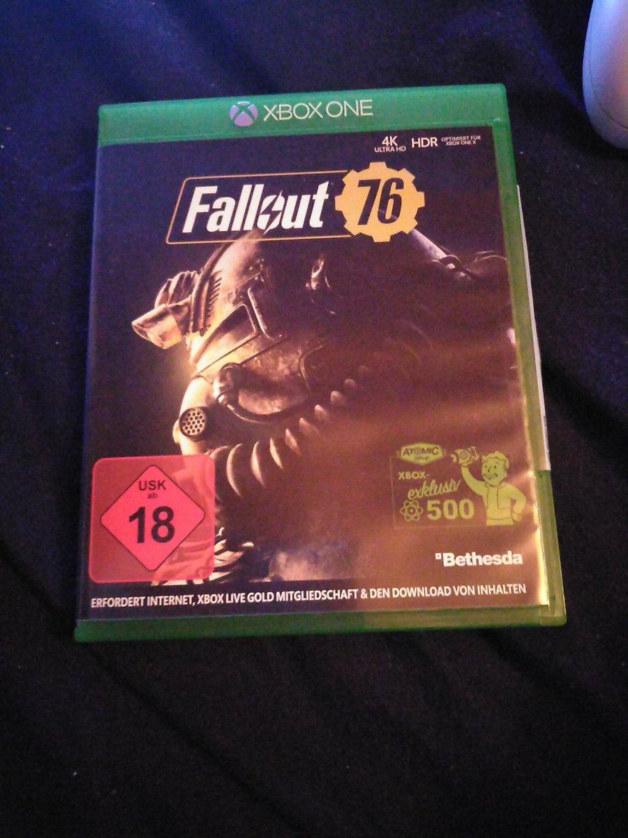 So dann wollen wir mal Fallout 76 anzocken also morgen da ich heute keine Lust mehr habe. Spielt das jemand von euch vlt kann man ja dann mal zsm zocken pic.twitter.com/Ajby34zqtl