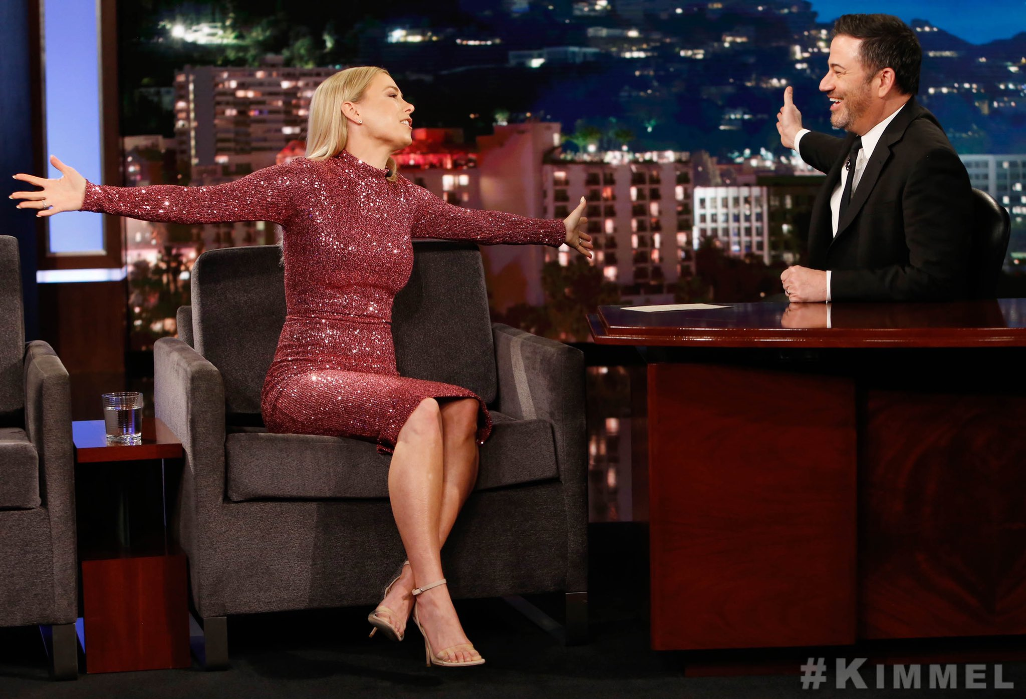 Iliza Shlesinger On Twitter Https T Co 11ccu2q4q3 Check Out My Couch Time On Jimmykimmellive