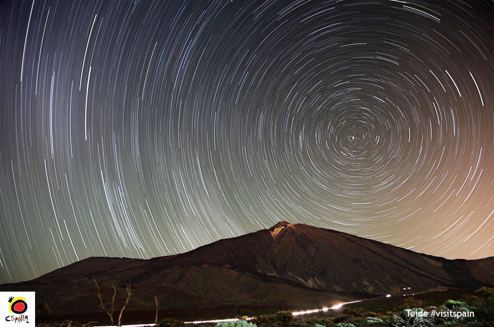 #Teide National Park in #Spain is a fantastic place for #stargazing. https://buff.ly/2qinfZE  #VisitSpain #Tenerife #Europe #CanaryIslands #NationalParks #observatory #Experiences #Stars #starviews #TravelIdeas #traveltips  #nightsky  @CanaryIslandsEN @visit_tenerifepic.twitter.com/42ytcCNF9H