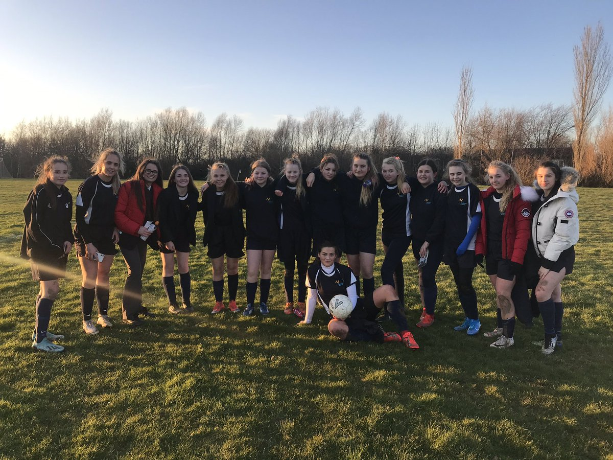 The U16 Girls football team progressed to the next round tonight, beating Kings Academy 7-1. #cornergoals #scorekeeper #utn #countycup #boddy&badger pic.twitter.com/DSj88TAnvv