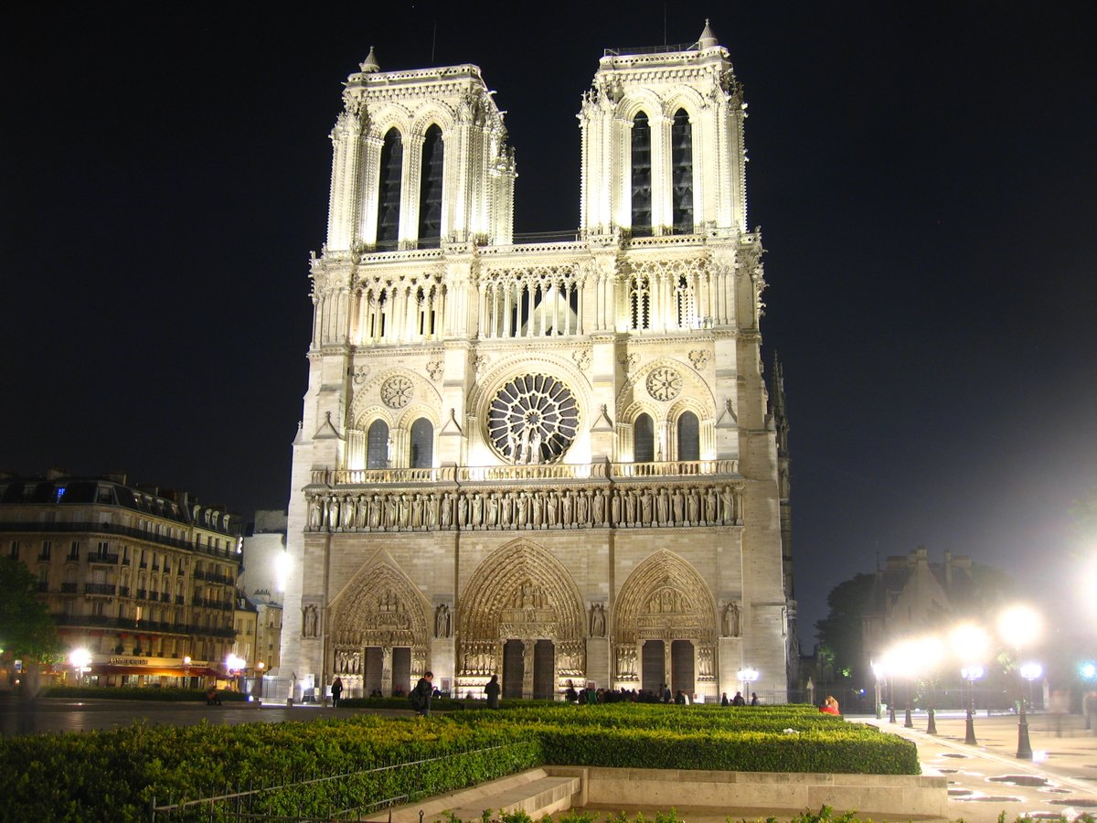 Special evening dedicated to #NotreDamedeParis w/ a #doc introduced by @KMFollett & a discussion w/ General Georgelin, President of the institution in charge of the restoration of the Cathedral & @AgnesCPoirier, author of Notre-Dame. 12 Mar @ifru_london institut-francais.org.uk/cine-lumiere/w…