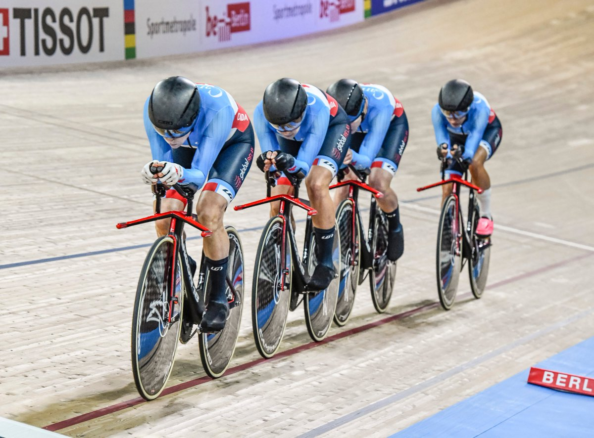 They keep getting faster! New record 4:12.627 and the women's team pursuit will race for bronze #Berlin2020pic.twitter.com/C8qJJzChGF