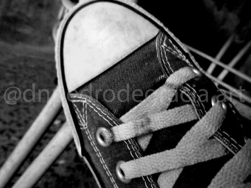 Impatience #art #photo #photography #Converse #ConverseAllStar #ChuckTaylor #Cons #AllStars #Chucks #sneakers #sportshoes #trainingshoes #lifestyle #icon #iconicpic.twitter.com/gjwQe7fRwx