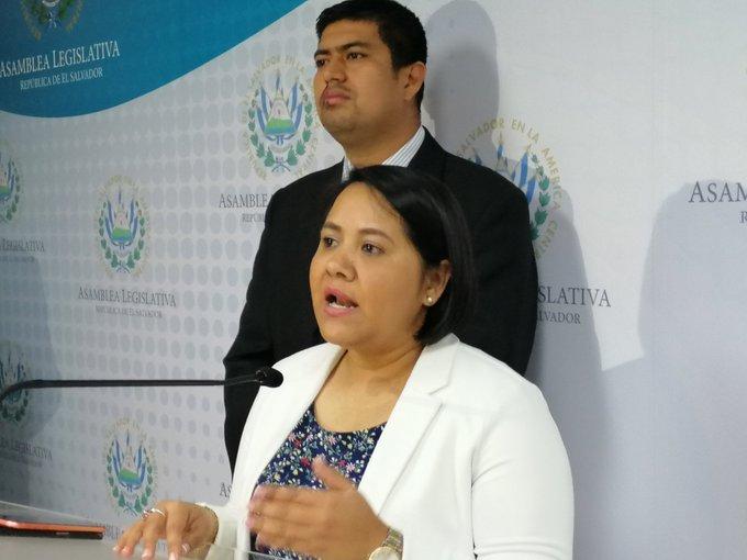 Denuncian campaña contra FMLN por antejuicio contra Norman Quijano