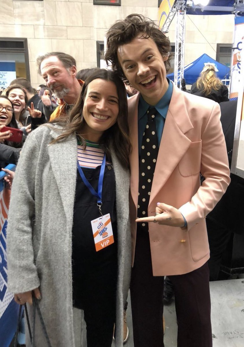 Harry at the TODAY Show yesterday, 2/26 pic.twitter.com/bvOSzzRiJQ