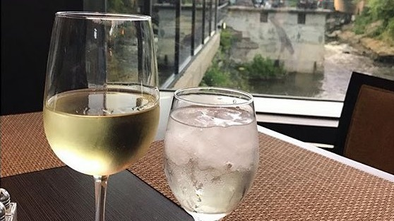 Thursdays are the best days for wine! Come into Beau's on the River and grab a bottle or glass of wine today for retail price. #retailwinenight #winelover #BOTRpic.twitter.com/RI7hV9gs6Z