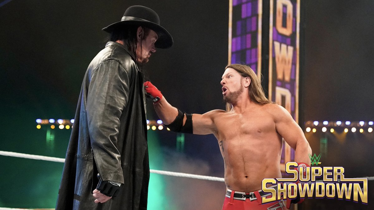 The #Undertaker rises at #WWESSD and haunts @AJStylesOrg to win the Tuwaiq Trophy. 🏆 wwe.com/shows/wwe-supe…
