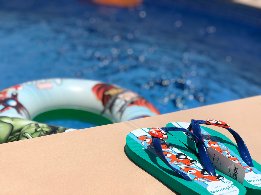 A private pool is a perfect option for a staycation with family or friends! https://t.co/HkT9v7kB88