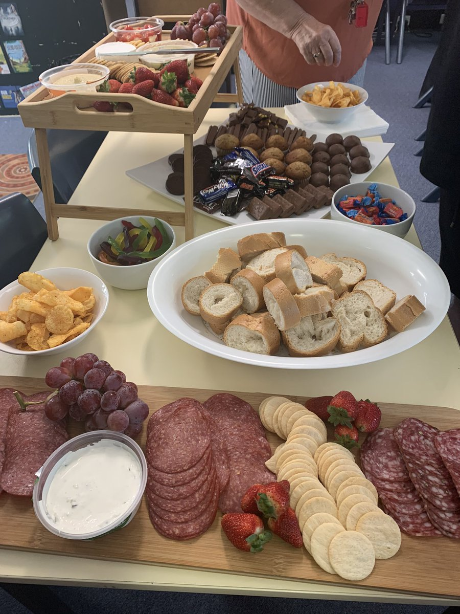 Smashing twilight session @TowradgiPublic with @alomalily to kickstart our EV journey!! Kept fuelled by this wonderful spread provided by our amazing SAM 😊 #workhard #berewarded #ToPS #greatplacetowork https://t.co/21f3BAeDlf