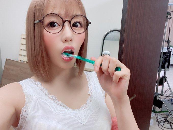 AV女優浜崎真緒のTwitter自撮りエロ画像30