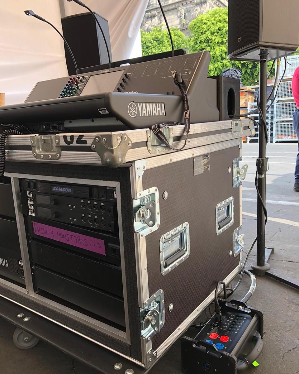 #powerdistribution con #BentoBox de @lexproducts L21-30 a Edison #dayattheoffice con @logra_mexico #wedeliverthepower #avinstall #stage #concerts #powerdistro #crewlifepic.twitter.com/jZiUMLTbdc