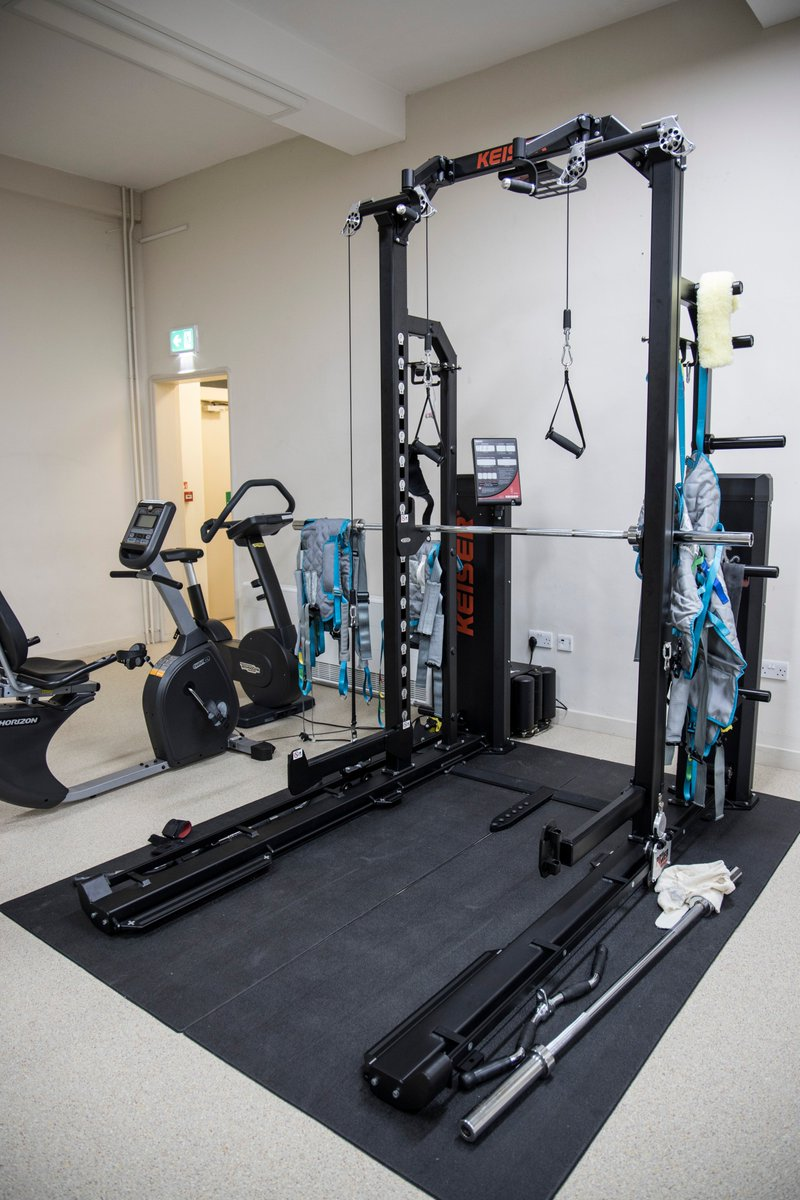 This is the Keiser Half Rack, it is a fantastic piece of equipment that has a variety of features making it a key piece for our patients rehabilitation, overall it has proven to be effective by achieving outstanding results.  #ukihma #healthcareuk #physiotherapy #rehabilitation https://t.co/RRYLLvh1lp