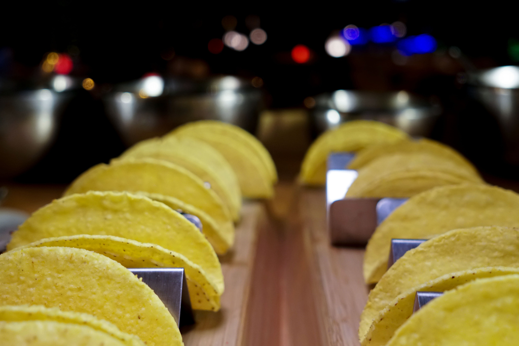 1. Visit Afya beach lounge⠀ 2. Pick up your delicious tacos⠀ 3. Get a second portion ⠀ 4. Refuse to share them with friends!  Follow above steps to enjoy Poco Loco every Wednesday from 6.30 pm at AED 141 per person! https://t.co/T4Zsts36G5