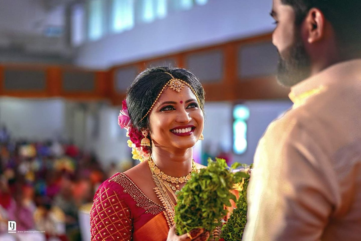 """Candid Moments Captured By Tj #Wedding Films  Click For Candid Moments: https://tjweddingfilms.com/candid-wedding-photography-kerala/…  She says"""" I love you, not only for what you are but for what I am when I am with you """"  #candid #photography #keralabride #traditionalwedding #weddinphotography #keralaweddingpic.twitter.com/Bd5bBjJDoI"""