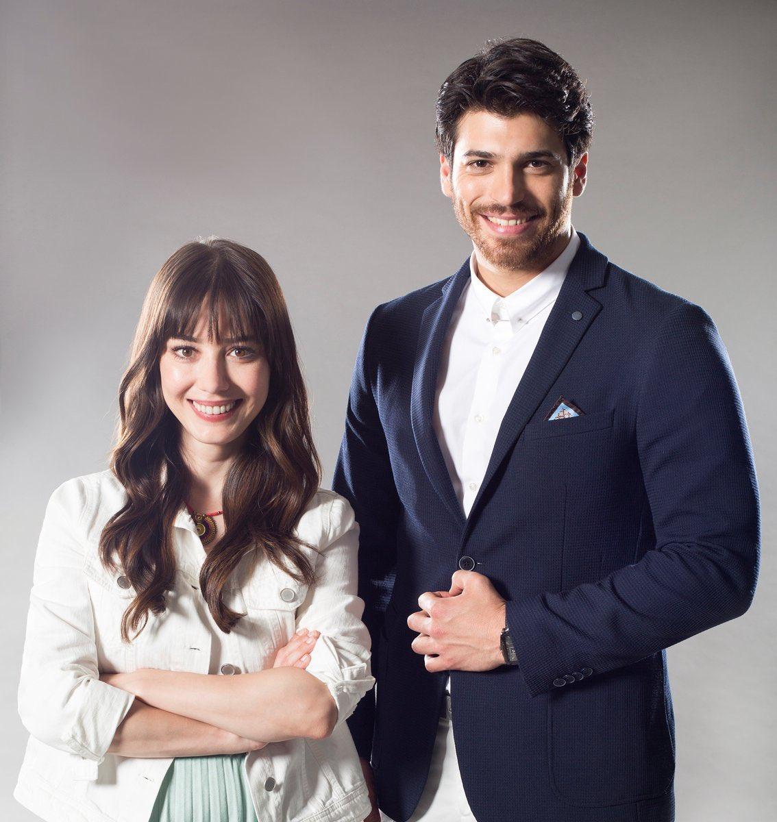 Arab2turk On Twitter Canyaman Ozgegurel جان يمان و اوزجي جوريل سيجتمعان للمرة الثانية معا في مسلسل صيفي جديد
