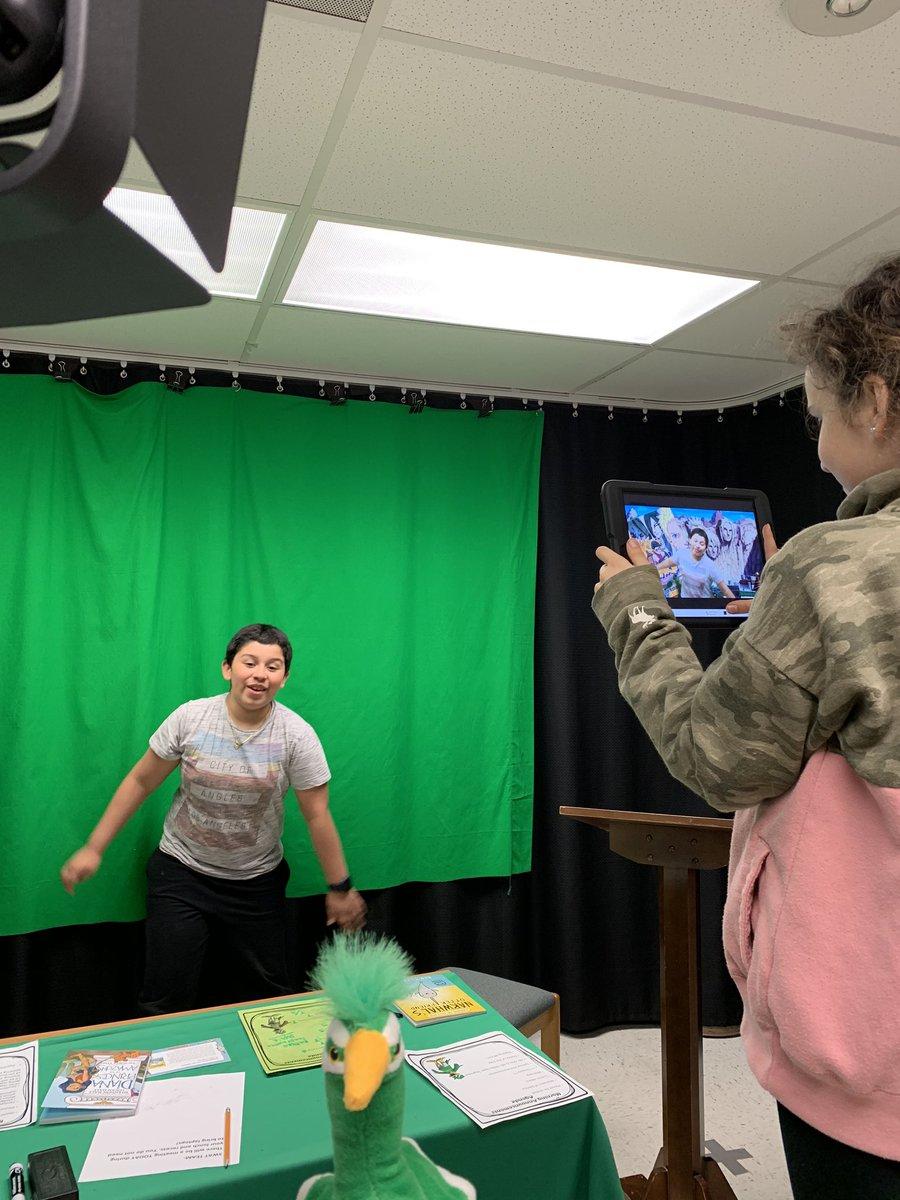 RT @teach2techspec: SWAT Team making promo videos for next weeks book fair! @MrsB_reads @gbefcps @DoInkTweets #FCPSPOG #collaborate #communicate pic.twitter.com/PS6RVo5TSn #doink #greenscreen #everyonecancreate