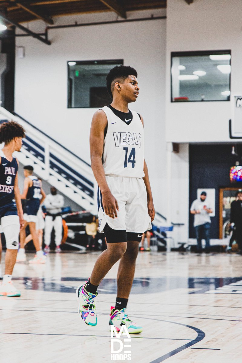 2024 G Josiah Cunningham (Henderson, NV) was highly productive for Vegas Elite all winter long. He's a tough and physical two-way guard with consistent scoring skills. #Lea8ue #CreateYourName https://t.co/eDQCO6K4Vy