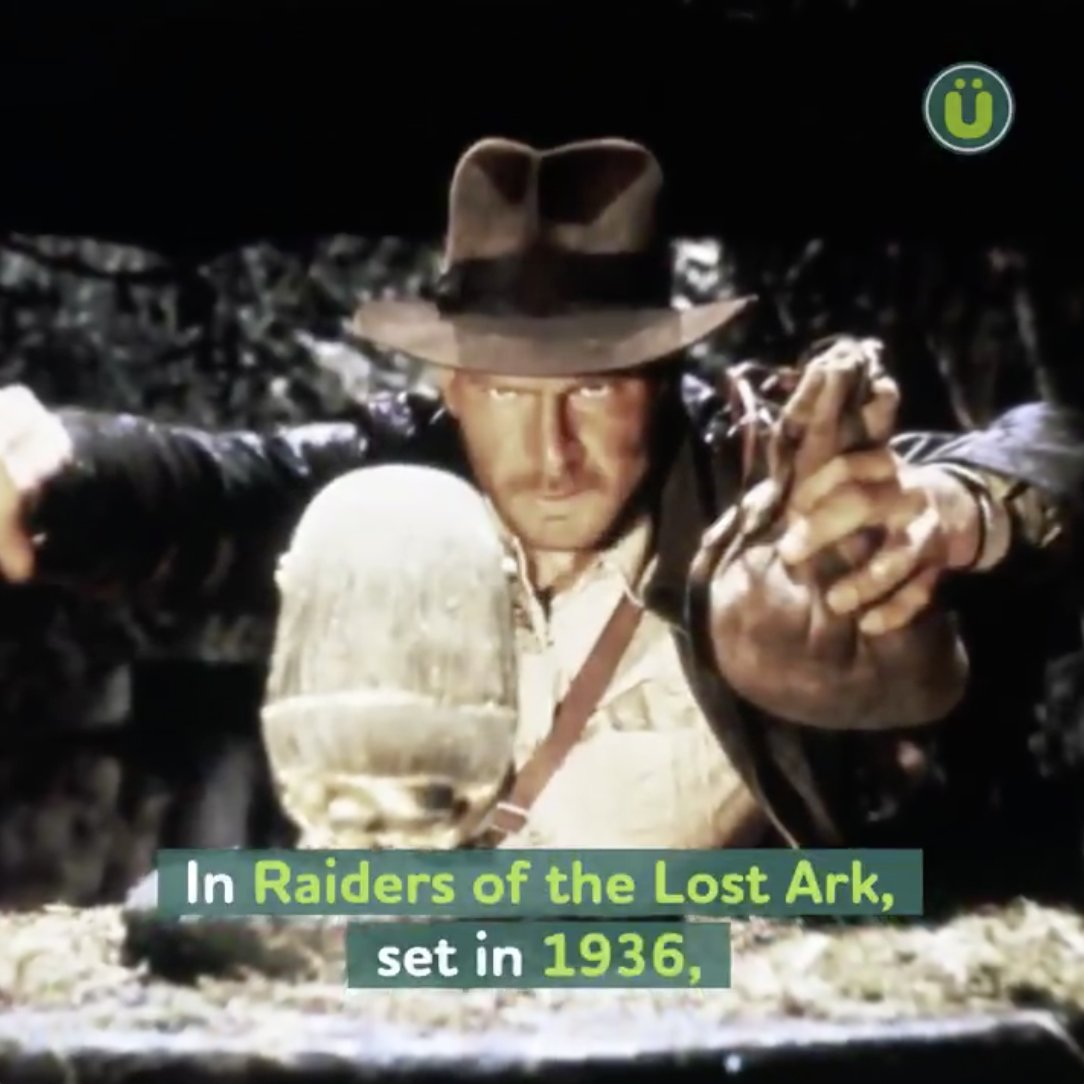 Replying to @UberFacts: Anachronistic facts in your favorite Hollywood films 🎥