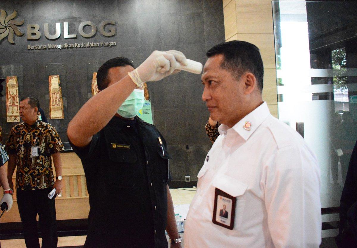 [SIARAN PERS]  BULOG TERAPKAN PROTOKOL PENCEGAHAN VIRUS CORONA DI SELURUH WILAYAH KERJANYA  Jakarta, 12 Maret 2020 – Perum BULOG siap mendukung upaya pemerintah dalam upaya pencegahan virus Covid-19   http://bulog.co.id/pers/37/7373/13/3/2020/Bulog-Terapkan-Protokol-Pencegahan-Virus-Corona-Di-Seluruh-Wilayah-Kerjanya.htm…