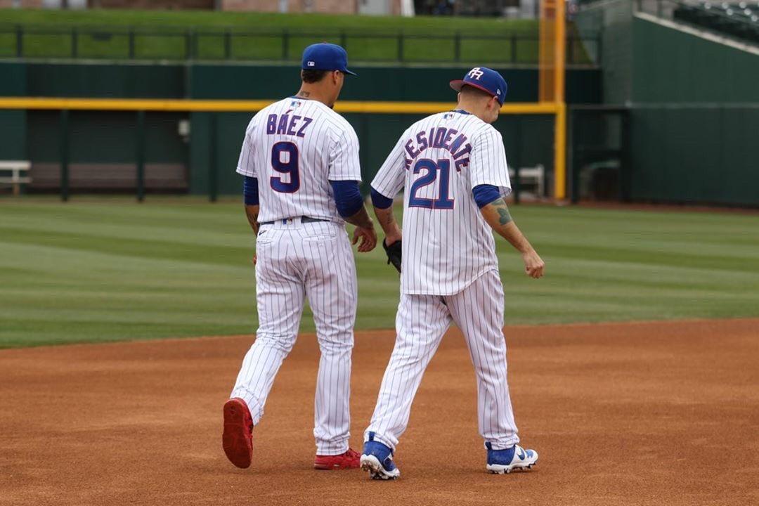 Desde pequeño quería ser beisbolista, no llegué así que aprendí a bater hits por encima de la pista.. Since I was a kid I wanted to be a baseball player, I didn't make it so I learned to make hit's over a beat... @mlb @javy23baez @LasMayores @Cubs #rené