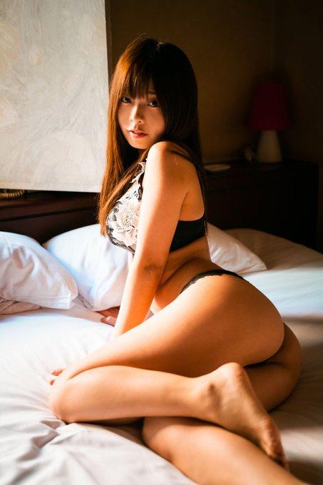 グラビアアイドル柚月彩那のTwitter自撮りエロ画像6