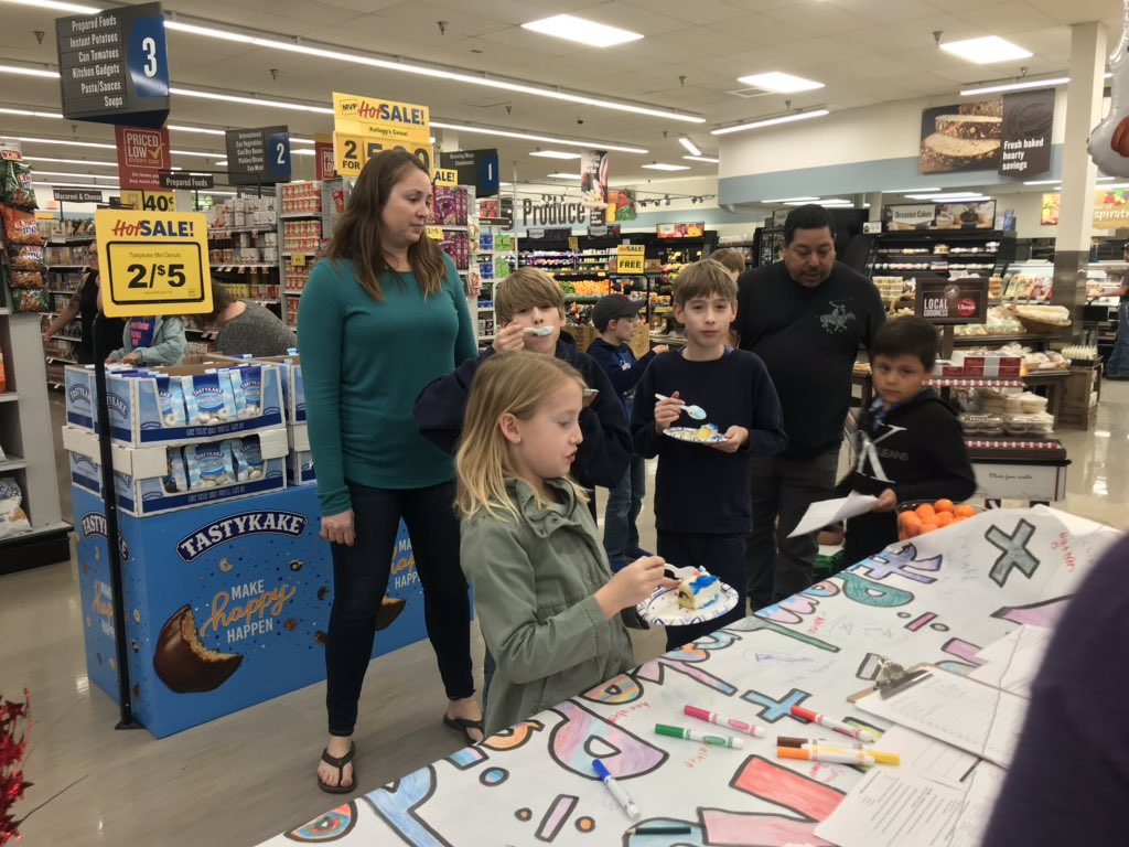 Family fun + great snacks + math tasks = awesome time at Food Lion Math night!!