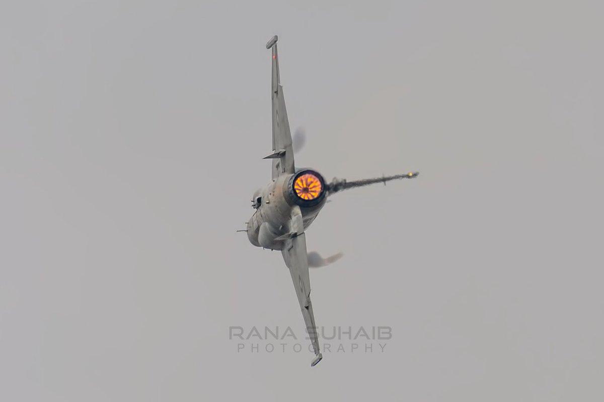 شہادتوں کے امیں ہیں تو ڈر نہیں سکتے شہید ہو کہ بھی ہم لوگ مر نہیں سکتے JF-17 Thunder Demo before WC Nouman Akram Shaheed run in over venue.  #PAF #NoumanAkramShaheed #NomanAkram #PakistanAirForce #f16fightingfalcon #f16 #F16Crash #islamabad #Breaking #jf17 #jf17thunderpic.twitter.com/hlqrJ9OMTb