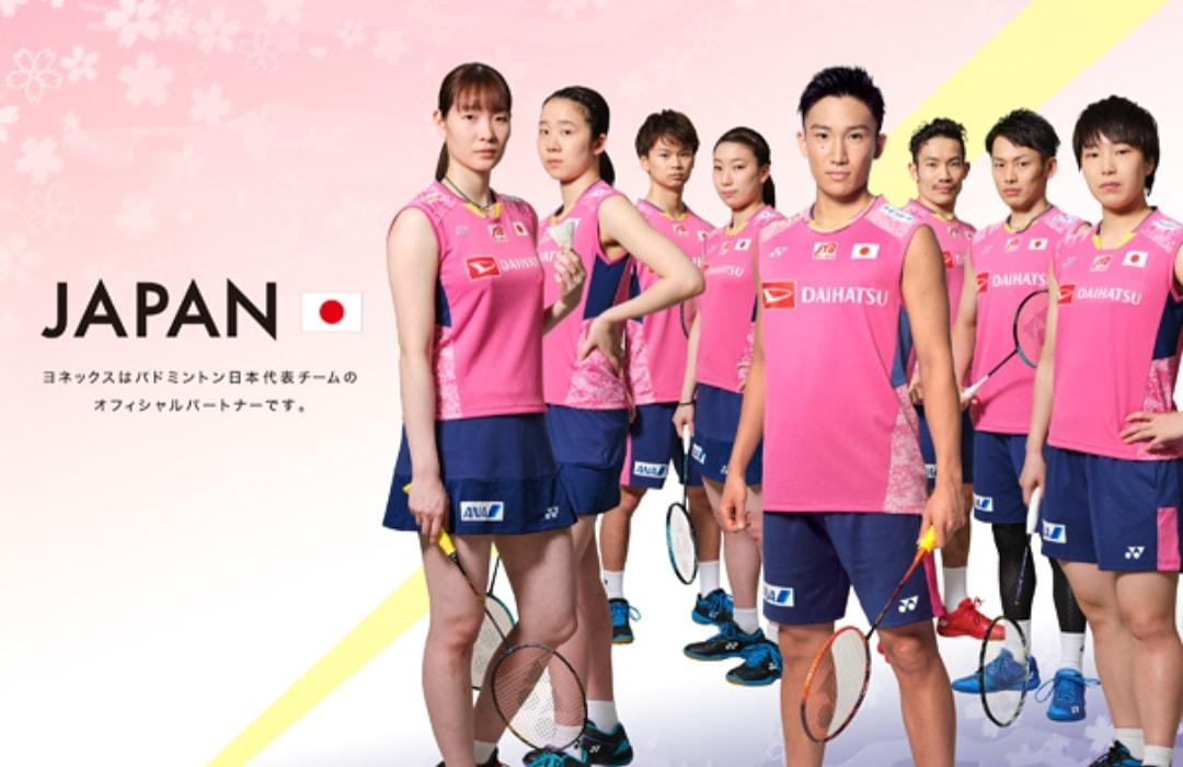 Sweet pink @momota_kento and friends   #桃田賢斗 #kentomomota  https://www.yonex.co.jp/sp/badminton/news/2020/03/2002101600.html…pic.twitter.com/xjRpuor5Vl