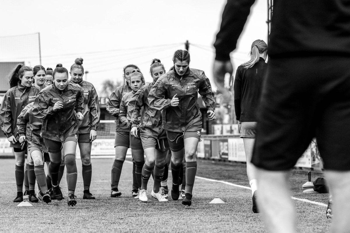 Love having mid week football! @ChiColFootball v @WorthingCollege  . . #footballwednesday #chicollegefootballacademy #behindthelens #teamphotographer #WomenInSport https://www.flickr.com/photos/bookerphotography/albums/72157713457752283… @ellieshimell @_xgemma_xpic.twitter.com/4xhWDdYJAm