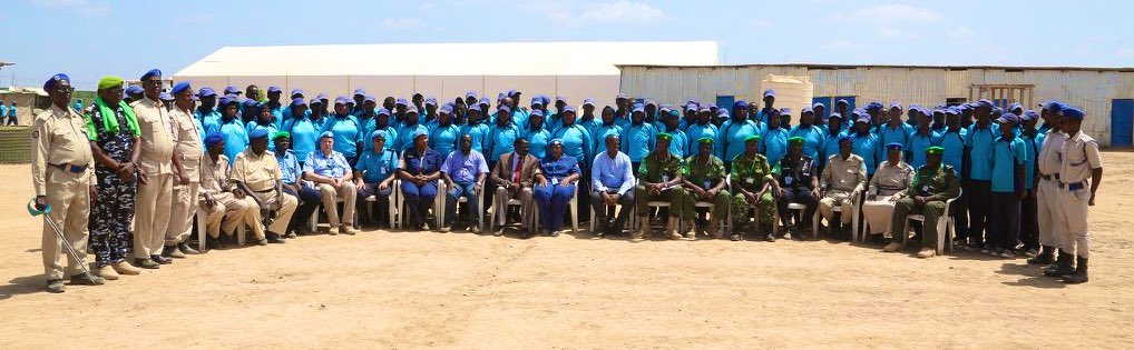 Congratulations to the 3rd batch of #Hirshabelle state police who graduated in #Jowhar today following completion of training under the #JointPoliceProgramme.   Thanks to our partners: MoIS Hirshabelle @amisomsomalia @UNPOL @UNDPSomalia @EU_in_Somalia @UKinSomalia @GermanyinSOM https://t.co/cRbcPDssWF