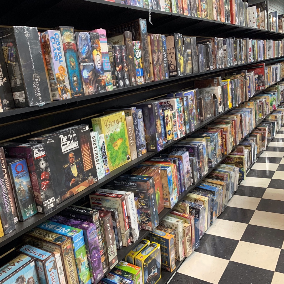 Need some new board games? We can help! :) Our board game selection is massive!!! #boardgames #tabletop #tabletopgames #tabletopgaming #tabletopgamer #boardgame #buythirdeyeordiepic.twitter.com/RSbAc1yo6Y
