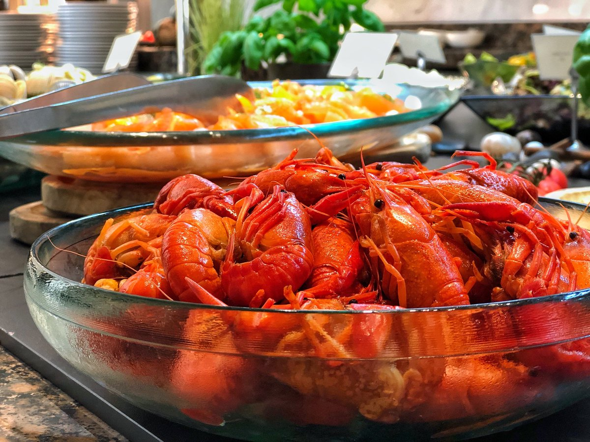 Craving crayfish?  Family Friday Brunch at #KempinskiPalm https://t.co/LiXe9RhzWW