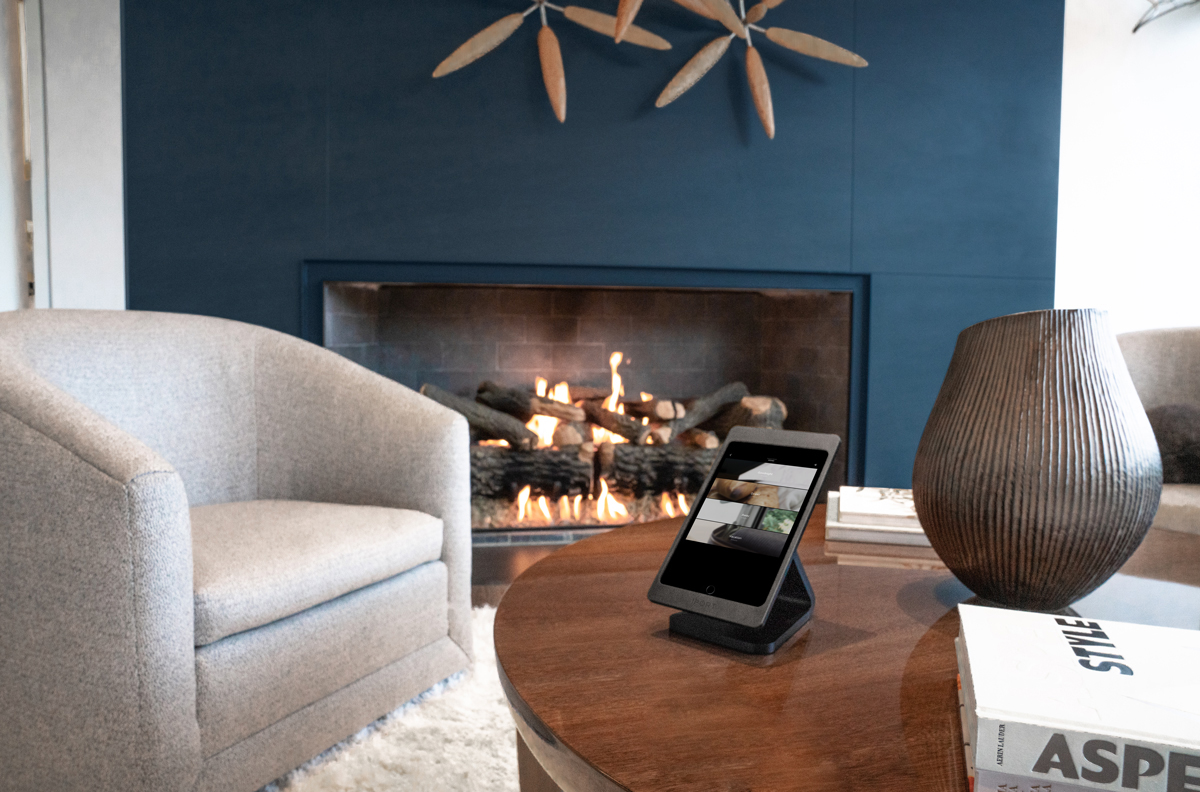 Simplify technology integration with iPad. Read more about how to make your home smarter with iOs, while never compromising the design of your space. https://bit.ly/38Ly7mT  #ios#smarthometech#smarthome#avintegration#techy#hometech#appleaccessories#ipad#applepic.twitter.com/Bw9XAOJpOF