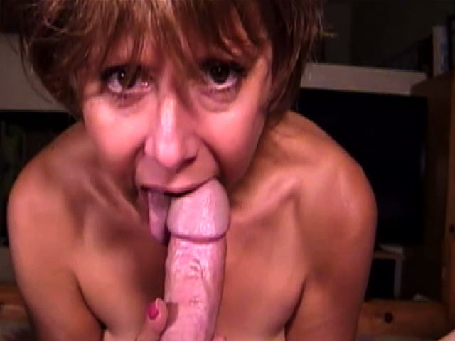 Happy Tongue Thursday! Looking for a partner to quarantine for two weeks. Who's UP for it ? #MILF #Blowjob