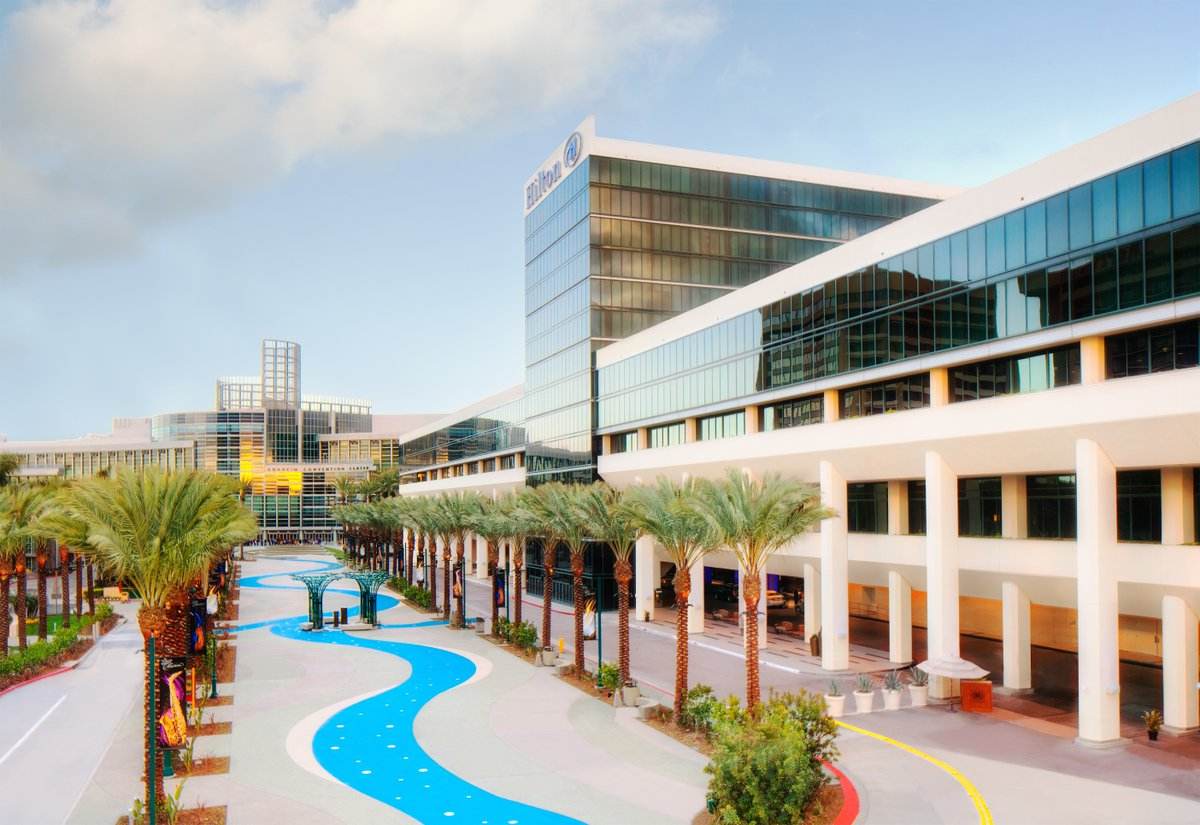 Why stay any further? If you're coming to #SoCal for an event at #AnaheimConventionCenter, you'll be footsteps away when you stay at #HiltonAnaheim. https://t.co/BpRb3iEkZz https://t.co/2QYXzSSaUN