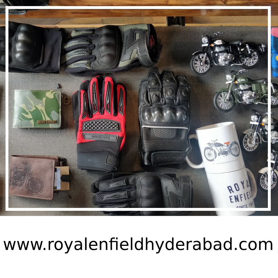 The latest Royal Enfield apparel now at stores Royal Engineers Hyderabad-Uppal. come and enjoy the World of Royal Enfield. Call us at +91 9701711755 #RoyalEnfield  #BikeShowroom #RoyalEnfieldServiceCentre #BikeServiceCentre #royalengineershyderabad https://bit.ly/3a333jkpic.twitter.com/JLVkRrJeYv