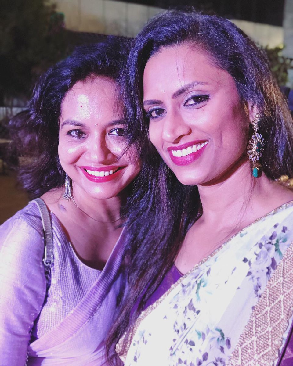 No caption needed #musicmirchiaward #singergoals #telugusingers #sunithaupadrashta #singersunitha #singerkousalyapic.twitter.com/nDVP3cICCQ