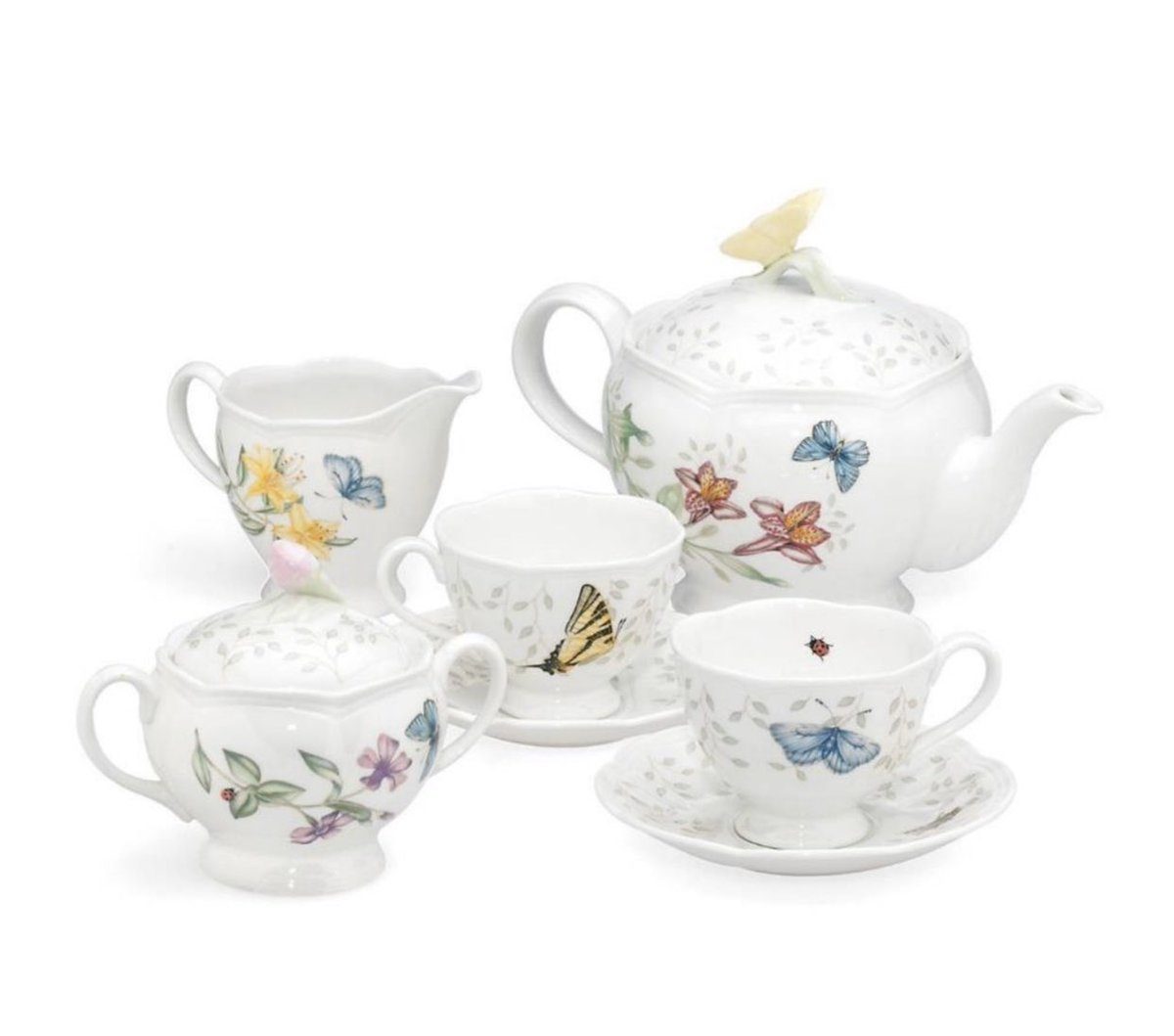 """""""Enjoy the beautiful tradition of serving tea with these lovely cups and saucers, matching teapot, and sugar and creamer set from LENOX. Microwave and dishwasher safe."""" #Lenox #butterflymeadow #teaset #Jashanmal #Bahrainpic.twitter.com/5gRk64IVEn"""